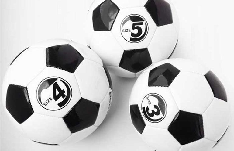 Chọn quả bóng đá có size phù hợp
