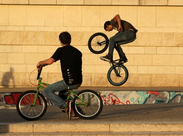 BMX - xe đạp biểu diễn
