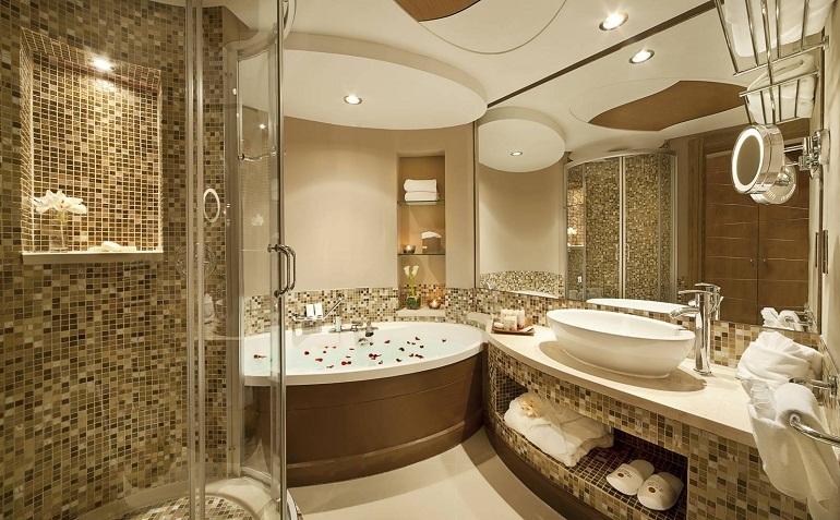 Nội thất phòng tắm sang trọng cho không gian rộng