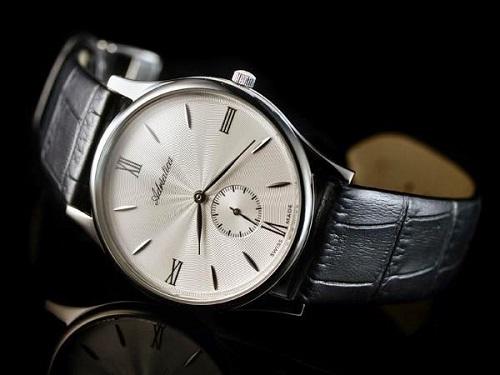 đồng hồ Adriatica