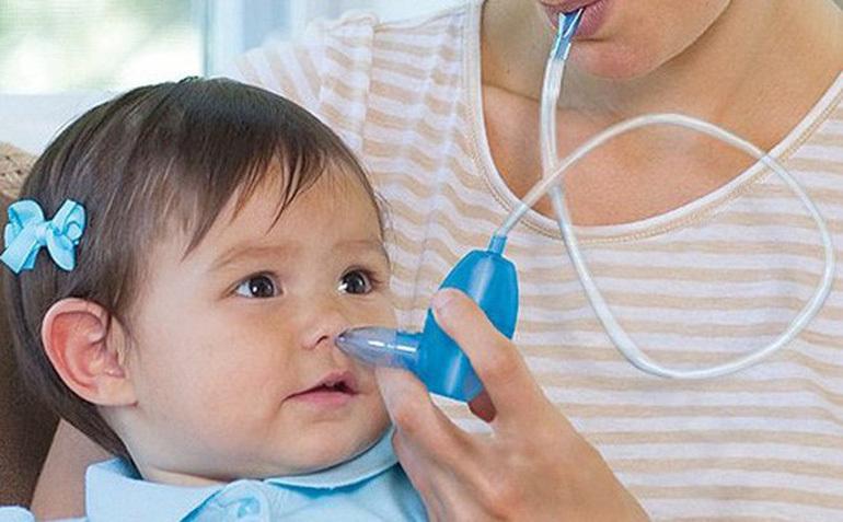 Dụng cụ hút mũi cho bé