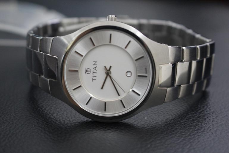 đồng hồ nam titan