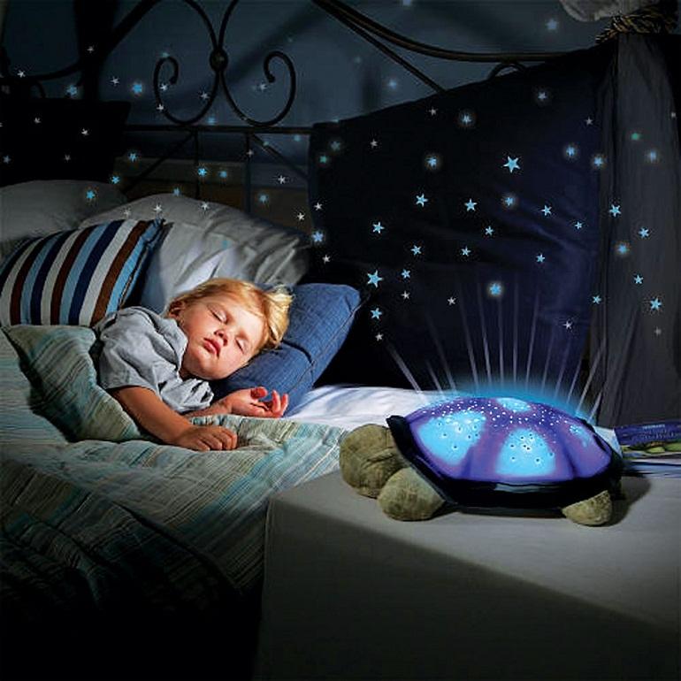 Đèn chiếu sao ru ngủ em bé