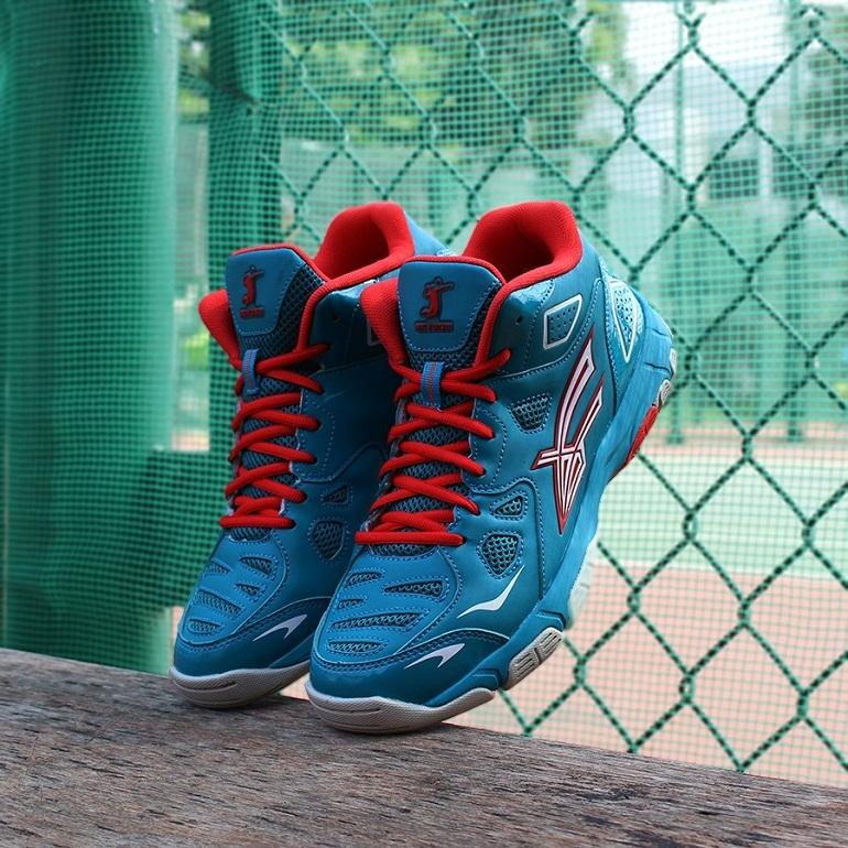 Chất liệu giày bóng chuyền Beyono 70% là da cao cấp và 30% là vải lưới