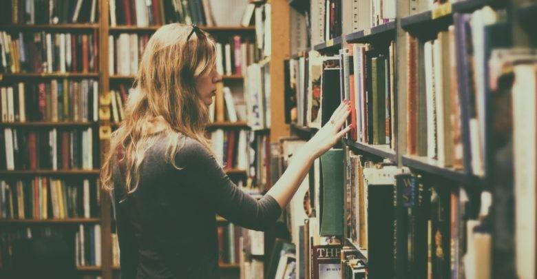 Sách văn học nước ngoài khác biệt về tư duy ngôn ngữ