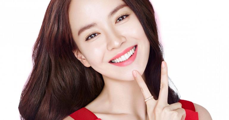 Hàm răng trắng sáng giúp bạn tự tin trong giao tiếp và nâng cao chất lượng cuộc sống
