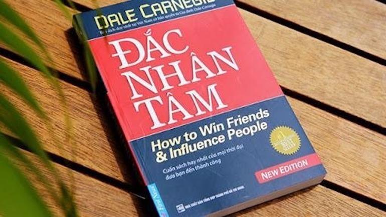 """""""Đắc nhân tâm"""" của Dale Carnegie"""