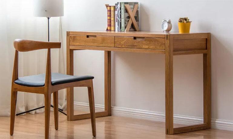Mẫu bàn học đơn giản bằng gỗ tự nhiên