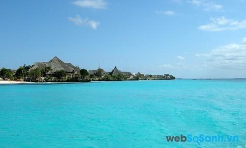 Hòn đảo của Unguja, một phần của Zanzibar, là phần cuối cùng tạo nên quần đảo Spice. Từng là thuộc địa của Anh, Zanzibar hiện nay là một vùng bán tự trị của Tanzania.