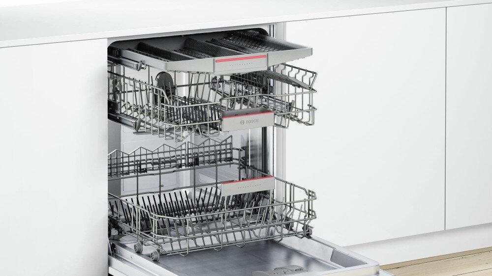 Lồng chứa rộng lớn và nhiều ngăn để phân loại đồ rửa