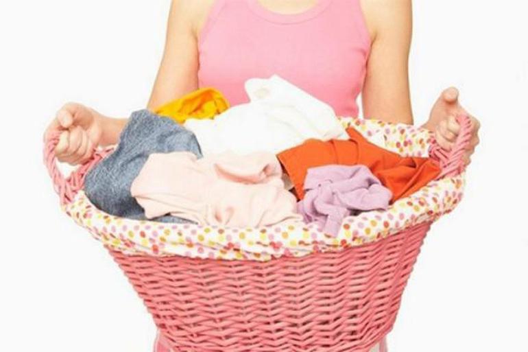 Cần phân loại quần áo trước khi giặt