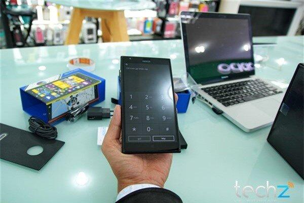 Mở hộp Lumia 1520 chính hãng tại Việt Nam: Trên cả tuyệt vời-image-1385718980578