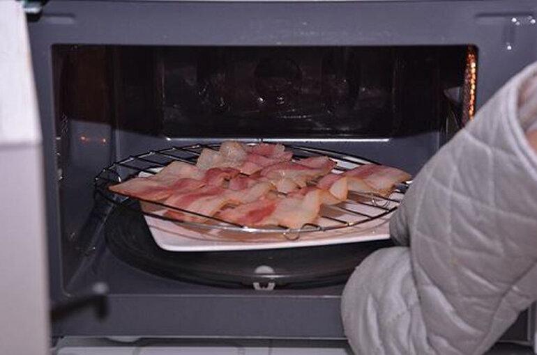 cách sử dụng lò vi sóng để nướng thịt đơn giản vô cùng