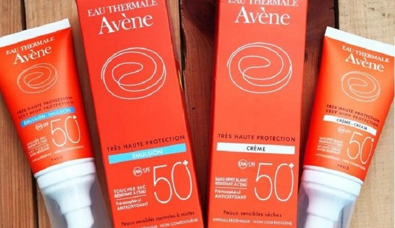 Kem chống nắng Avene Very High Protection SPF 50+ dành cho da nhạy cảm và da mụn