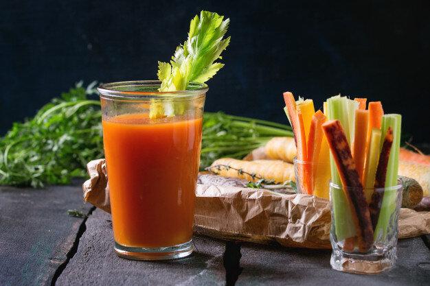 Nước ép cà rốt và cần tây đặc biệt thơm ngon, bổ dưỡng cơ thể