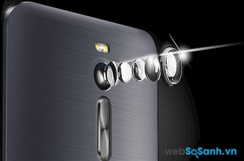 Camera chính của Zenfone 2 đi kèm đèn Flash kép