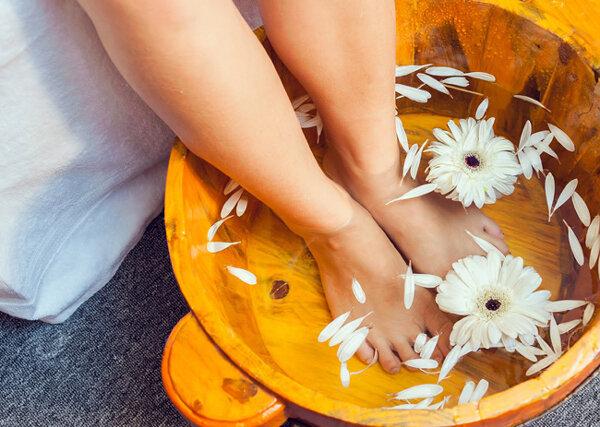 Ngâm chân giúp bà bầu giảm bớt sự khó chịu