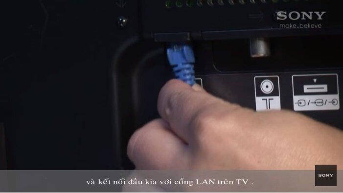 Kết nối đầu kia với cổng LAN Tivi Sony