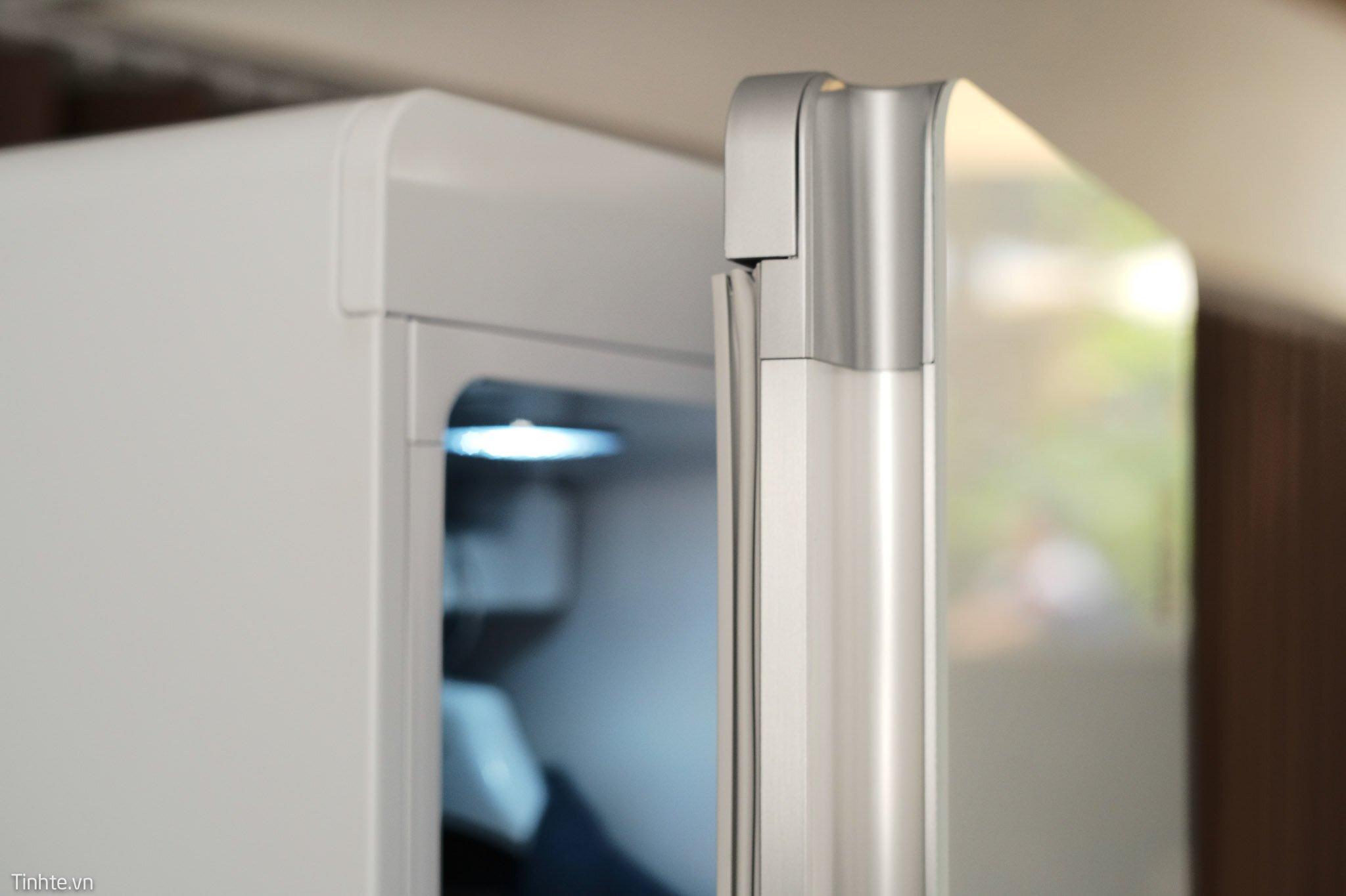 Tủ quần áo thông minh LG Styler thiết kế tinh tế