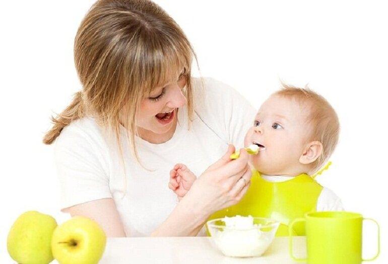 Hệ tiêu hóa của bé 6 tháng tuổi cũng đã hoàn thiện hơn và sẵn sàng cho việc ăn dặm