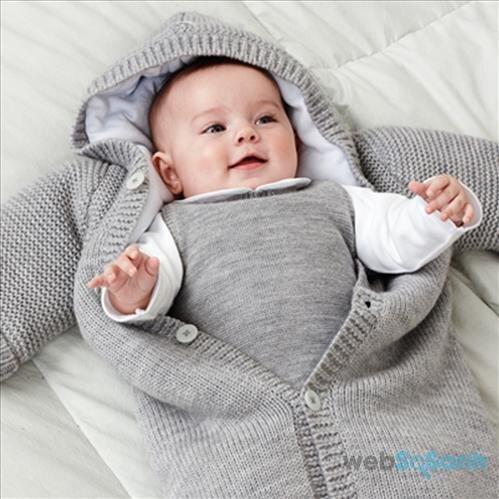 Làm ấm cho trẻ sơ sinh trong mùa đông
