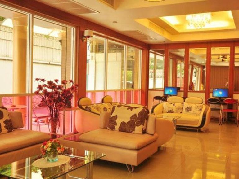 Khách sạn Dream Town giúp du khách có một kỳ nghỉ đáng nhớ khi đi du lịch Thái Lan Địa chỉ của Dream Town Hotel: 33 Soi Petchburi 11, Petchburi Road, Phyathai, Ratchtewi, Pratunam, Bangkok, Thái Lan. (Nguồn Internet)