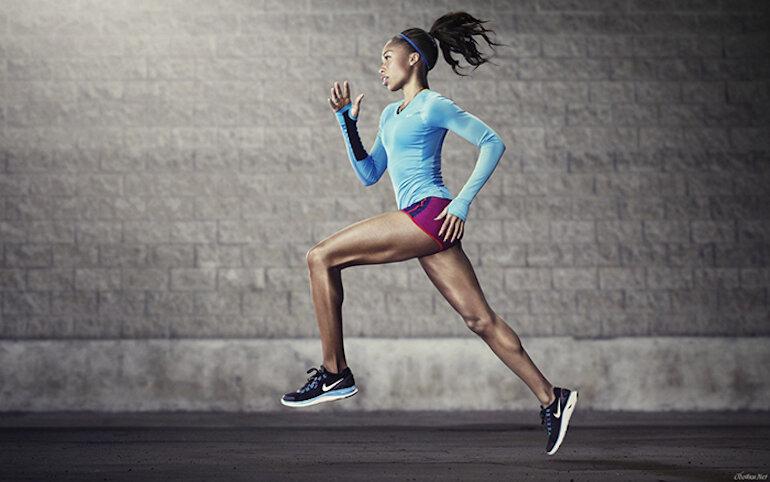 Giày running dùng để chạy bộ và chạy bộ trên máy