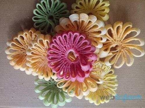 Mứt dừa hình hoa cúc