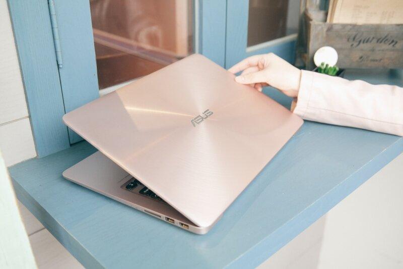 Dòng Zenbook mỏng nhẹ với màu vàng hồng sang trọng