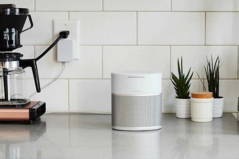 nên mua Bose Home Speaker 500 hay 300