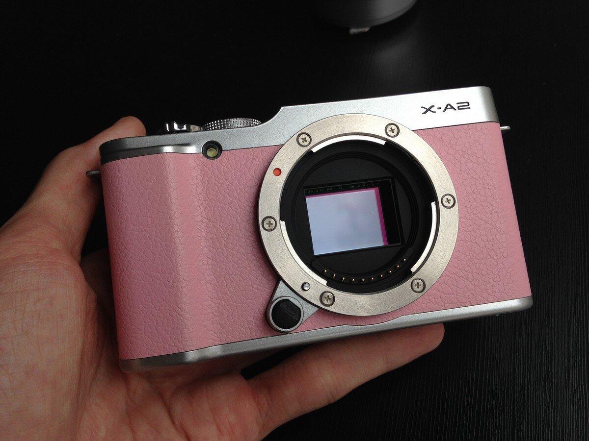 FujiFilm X-A2 sử dụng ống kính rời nên rất tiện mang theo