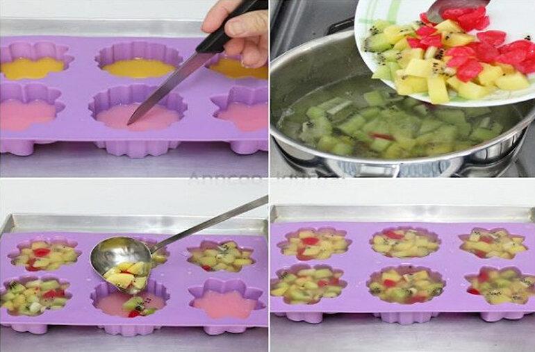 Nếu đã đông thì bạn lấy hỗn hợp nhân trái cây rau câu ở bước 3 múc đổ đều vào khuôn bước 2. Rồi nhét lại vào tủ lạnh trong 2 tiếng là hoàn thành tác phẩm.