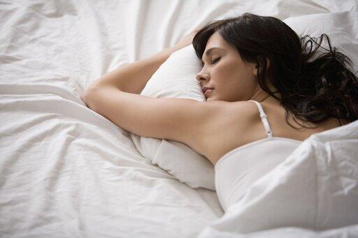 Nằm sấp gây ảnh hưởng đến sức khỏe xương khớp