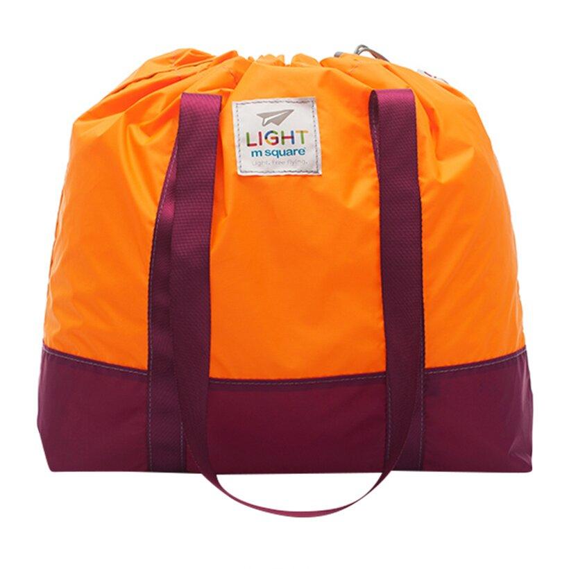 Một chiếc túi có khả năng gấp gọn sau mỗi lần chưa sử dụng sẽ tiện lợi vô cùng đấy!
