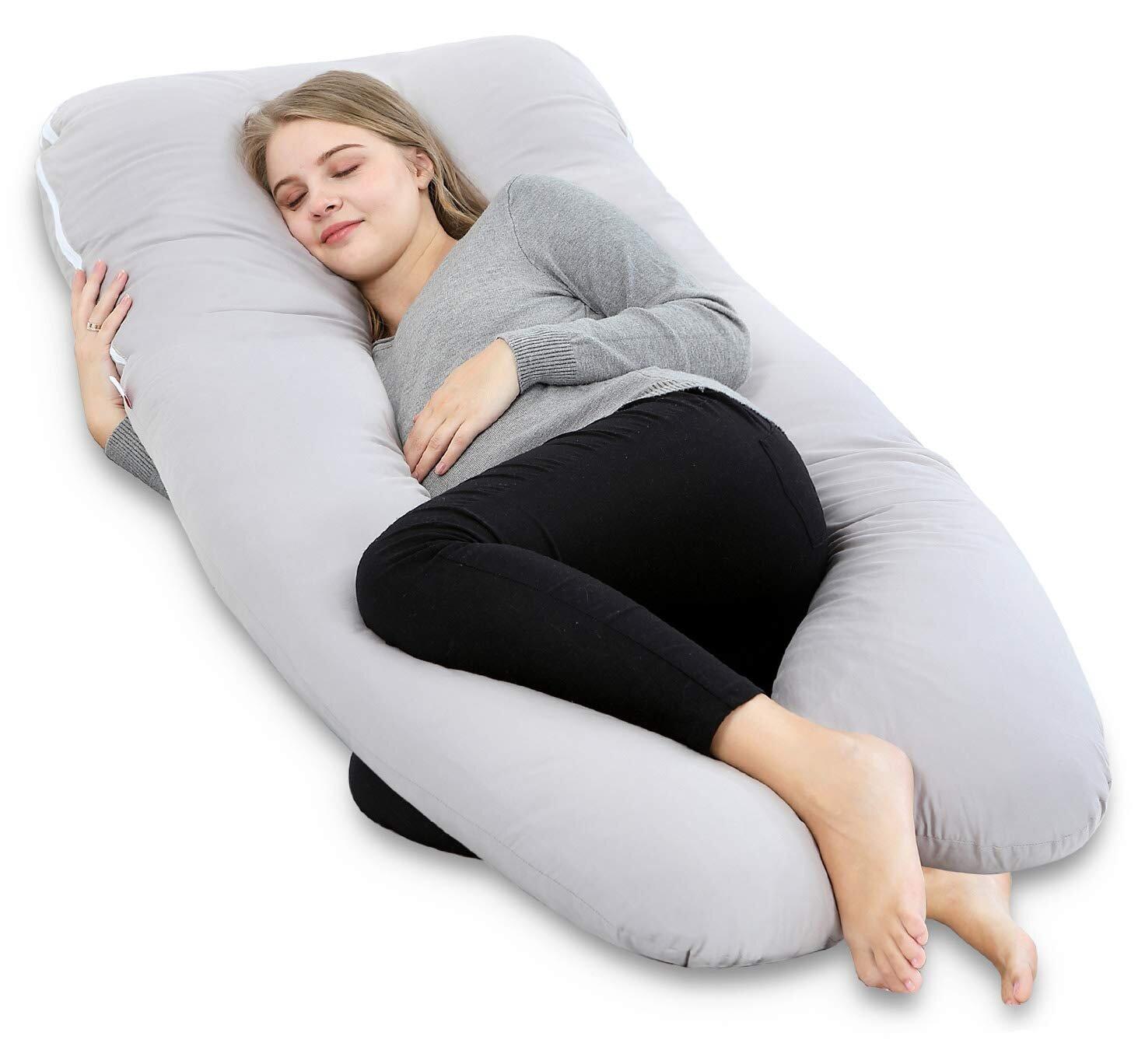 Việc sử dụng gối hình chữ U giúp bà bầu ngủ ngon giấc hơn