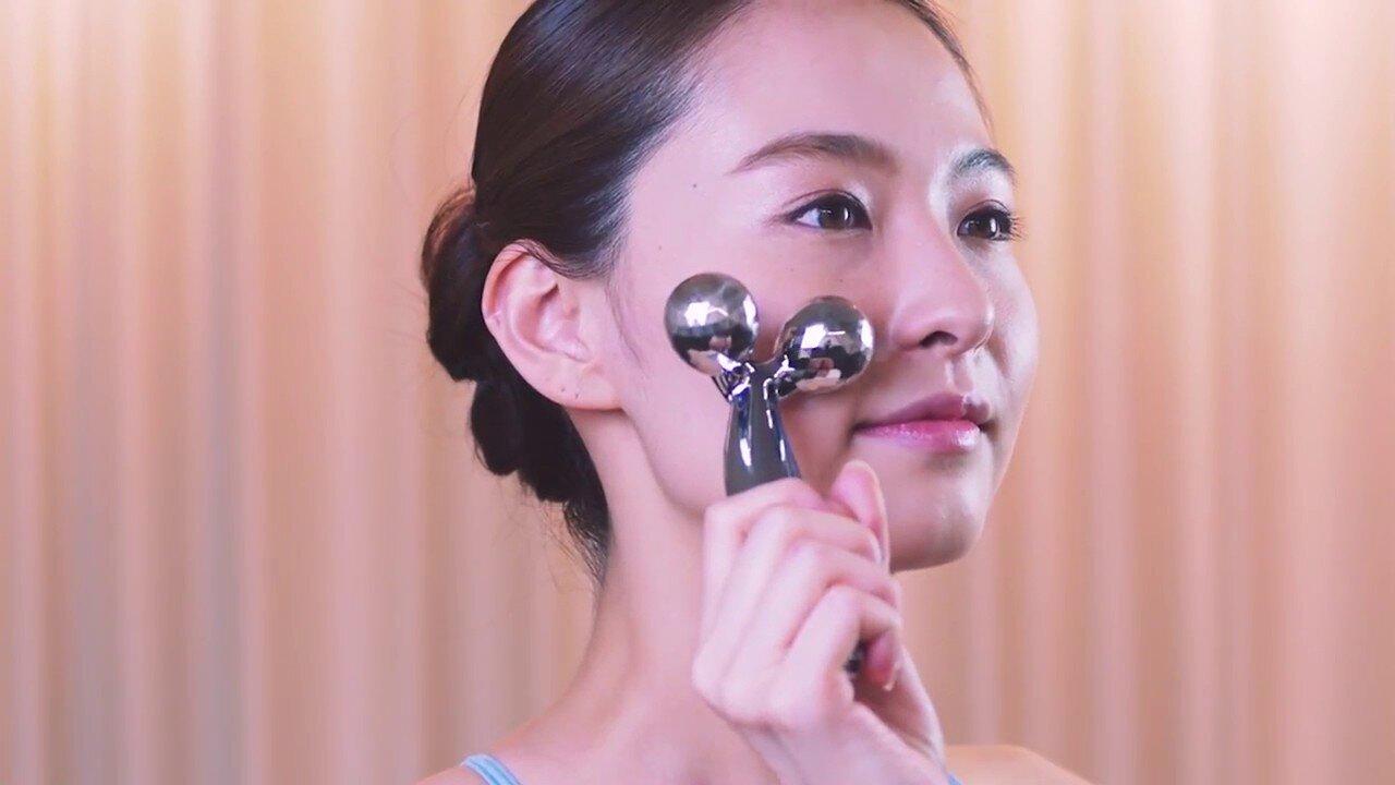 Máy massage con lăn 3D Nhật