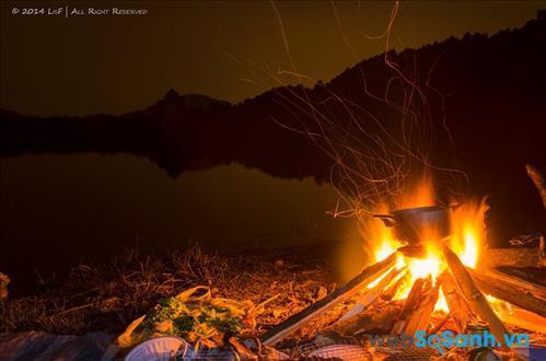 Lửa trại bên hồ