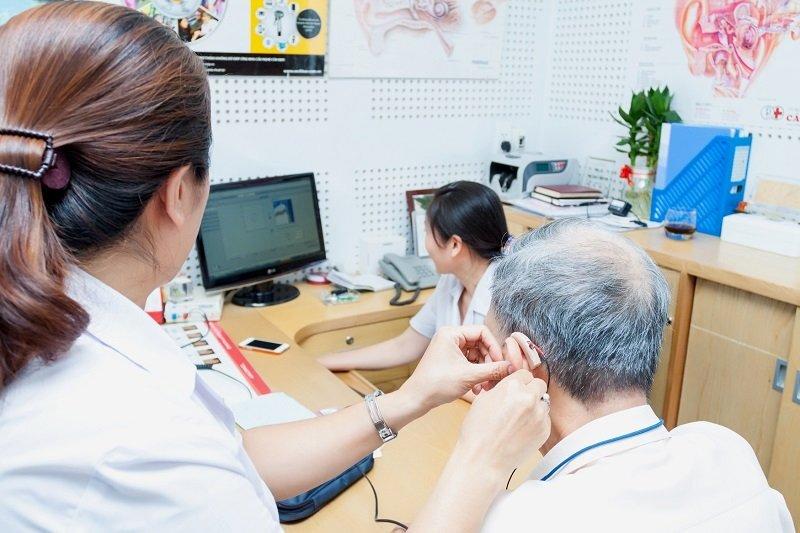 Cần thăm khám cụ thể trước khi mua máy trợ thính