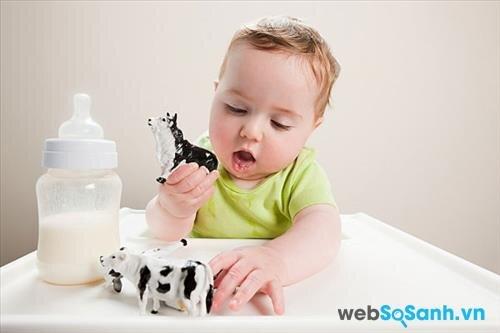 Sữa bột Abbott Similac Total Comfort 1 phù hợp với các bé nhạy cảm với Lactose
