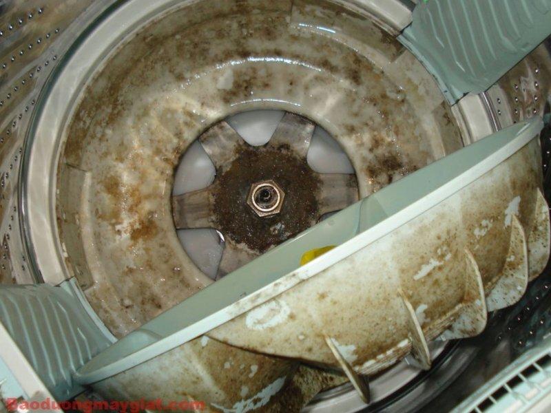 Nên thường xuyên vệ sinh máy giặt để tăng tuổi thọ máy