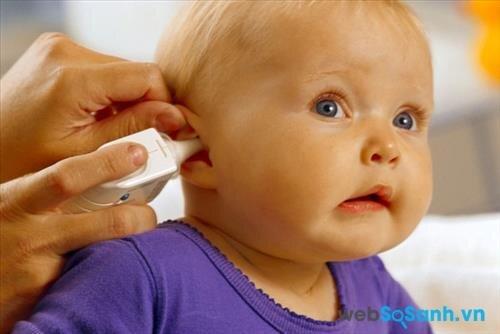 Đo nhiệt độ ở tai được khá nhiều bậc phụ huynh sử dụng