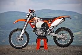 KTM 500 EXC sẽ đưa bạn vượt núi mà không chút vất vả
