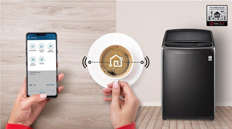 Bạn cũng có thể điều khiển sản phẩm máy giặt Panasonic thông qua điện thoại dễ dàng