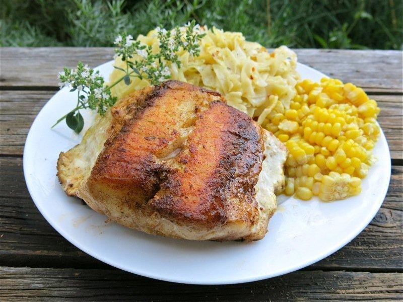 Cá hồi ướp xì dầu chiên là món ăn bạn nên thử chế biến bằng nồi chiên không dầu