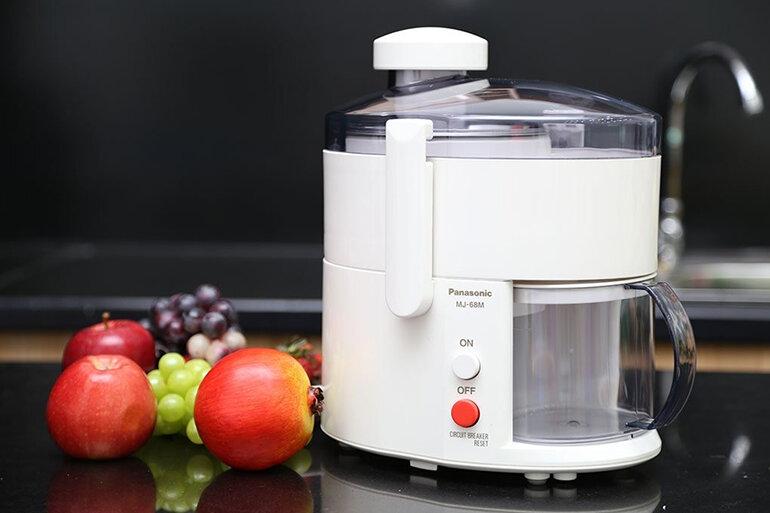 Một chiếc máy ép trái cây đẹp sẽ làm nổi bật không gian (Nguồn: adayroi.com)