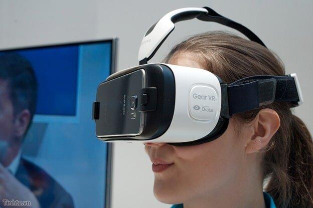 Dùng kính thực tế ảo sao cho không hại mắt