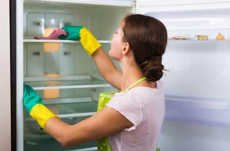 Vệ sinh tủ lạnh đúng cách với 7 bước đơn giản
