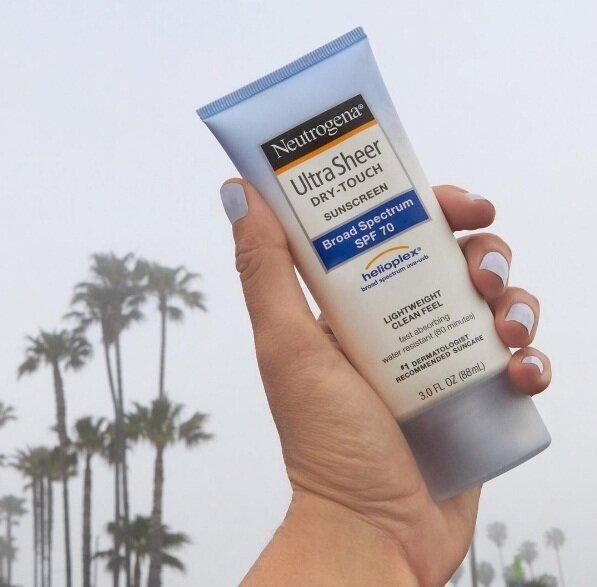 Kem chống nắng Neutrogena Ultra Sheer Dry Touch SPF70