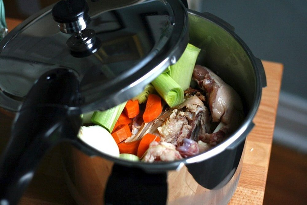 Cần phải bỏ lượng thức ăn vừa phải vào nồi áp suất trước khi nấu