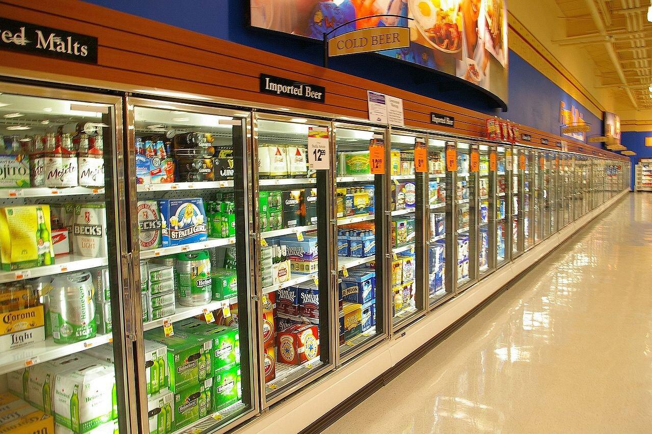 Chọn tủ mát trưng bày thực phẩm có dung tích phù hợp với nhu cầu sử dụng